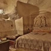洞穴探險家酒店