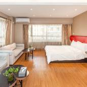 窩趣商務酒店式公寓(大連金州勝利路瑞栢中心店)