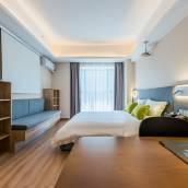 英卓未來公寓智能酒店(西安龍首原地鐵站店)
