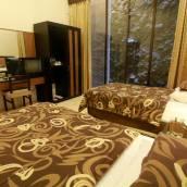 爪哇土地酒店