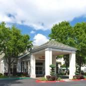 薩克拉門託希爾頓花園酒店