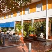 拉菲羅酒店